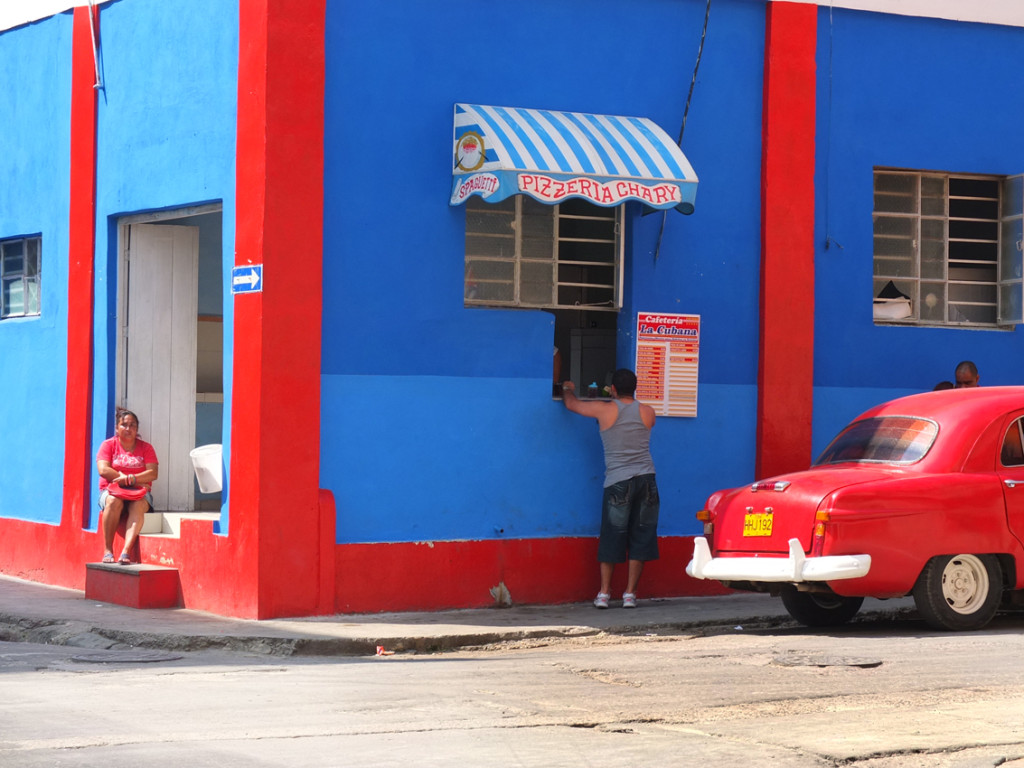 colors of the streets in Havanna